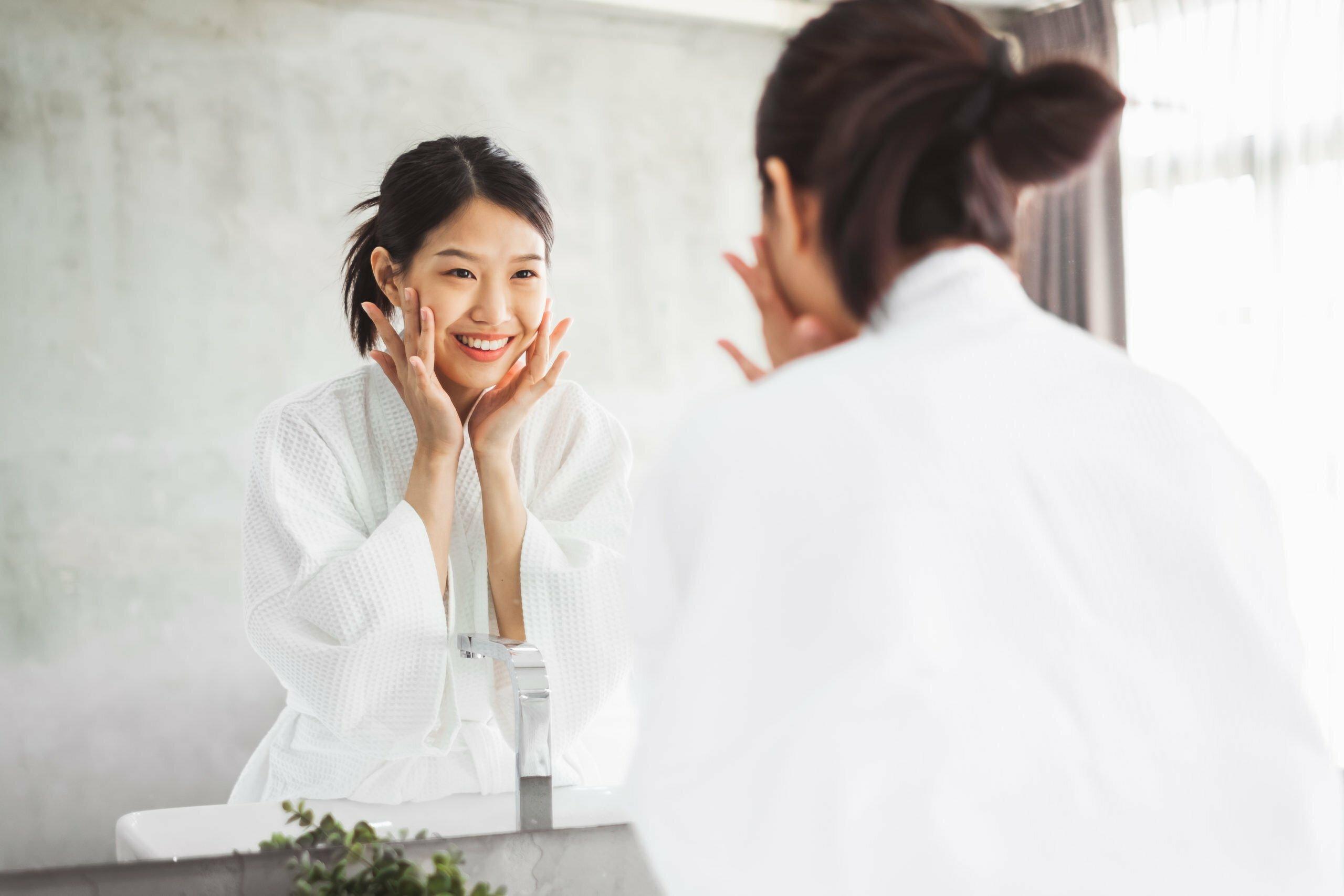 Rutina coreeană de îngrijire a tenului în 10 pași